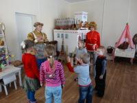 20 марта в поморской избе Центральной детской библиотеки прошло очередное занятие семейного воскресного клуба «Домовёнок»