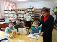 27 мая, в Общероссийский день библиотек, в районной библиотеке прошел ДЕНЬ ОТКРЫТЫХ ДВЕРЕЙ