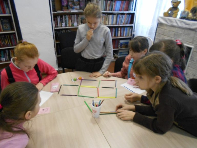Игра «Занимательная математика» прошла в Васьковской библиотеке
