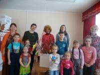 В поморской избе Центральной детской библиотеки прошло очередное занятие семейного воскресного клуба «Домовёнок»